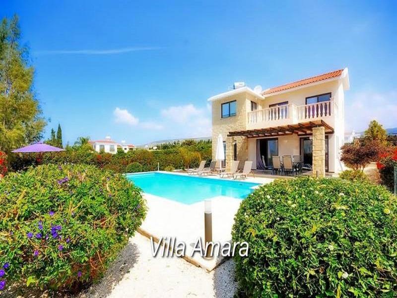Luxury 3 Bedroom Villa with Sea View in Coral Bay