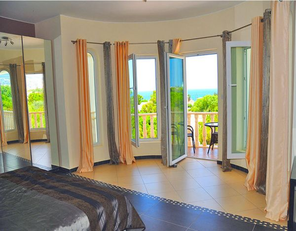 Stunning Luxurious 7 Bed. Villa in Coral Bay