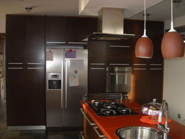 Amazing 5 bedroom modern villa in Koloni plus an annex