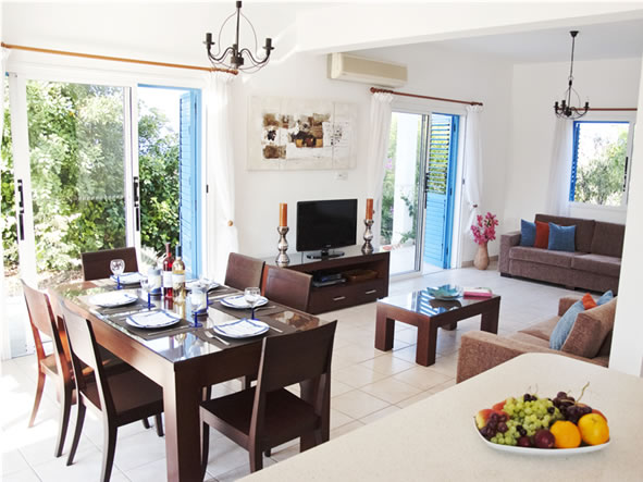 Lovely villa for rent in Sea Caves
