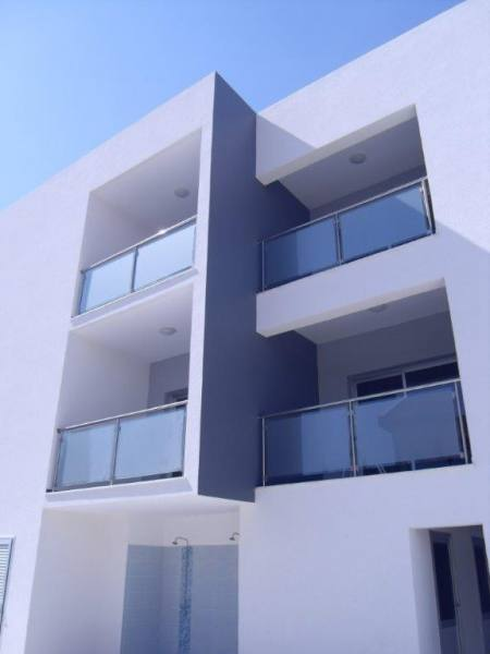 Luxury 2 Bedroom Apartment near sea