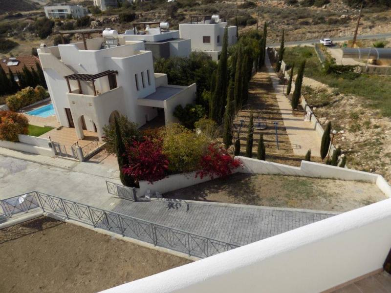 Luxury 4 Bedroom Villa with Sea Views + Title Deeds