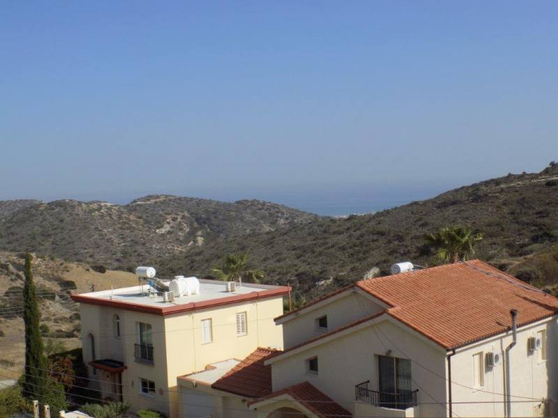 Luxury 4 Bedroom Villa with Sea Views + Title Deeds