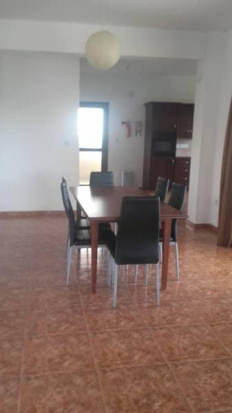 Large 4 Bedroom Villa in Coral Bay-Furnished