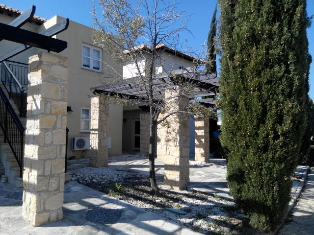 Junior villa for rent in Aphrodite hills