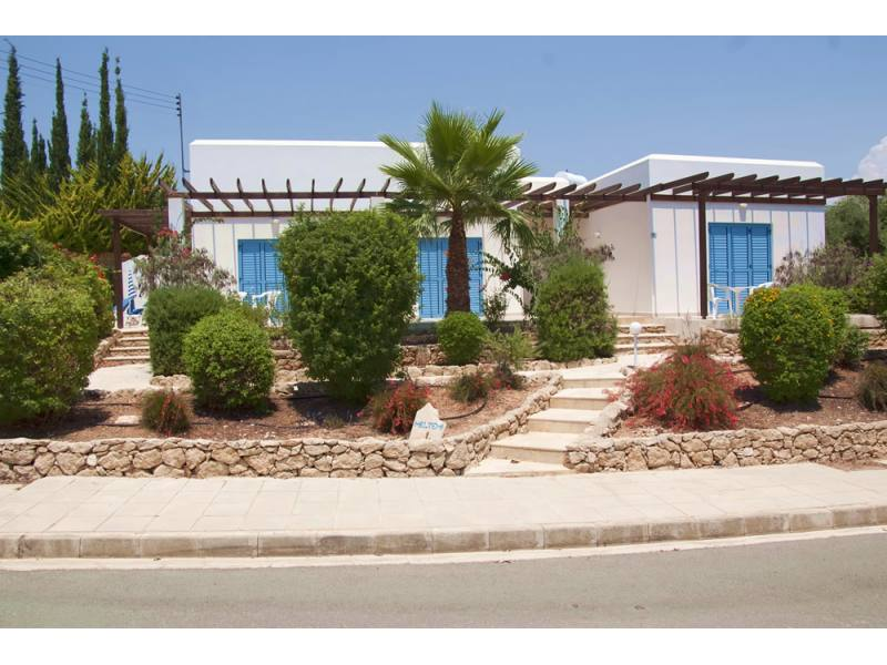 3 Bedroom Fully Furnished Bungalow Sea Caves