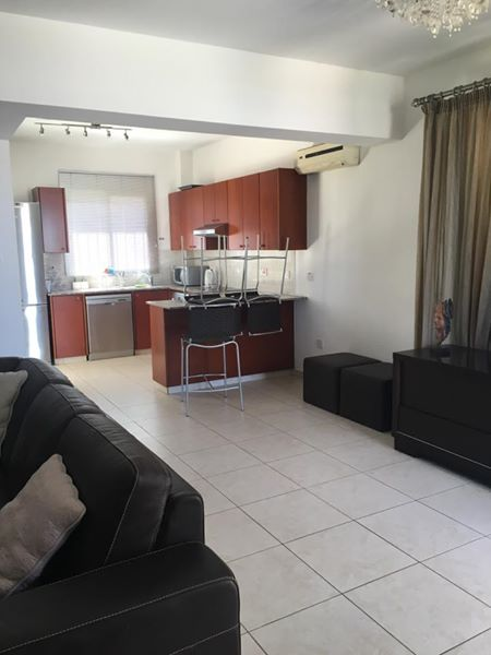 3 bedroom villa long term rent in Chloraka