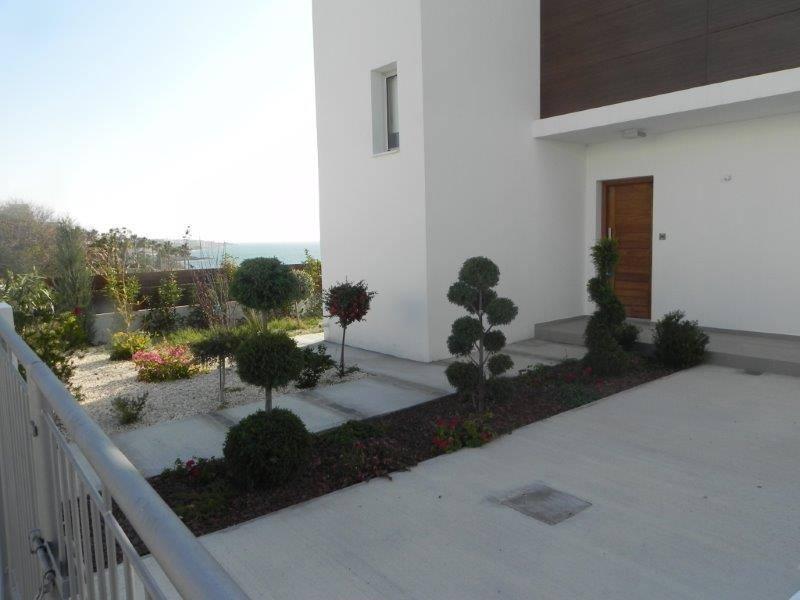 3 bed detached modern house in Kissonerga