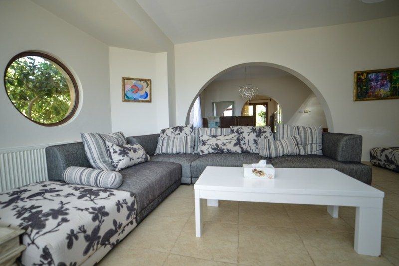 3 bedroom plus detached house in Tala