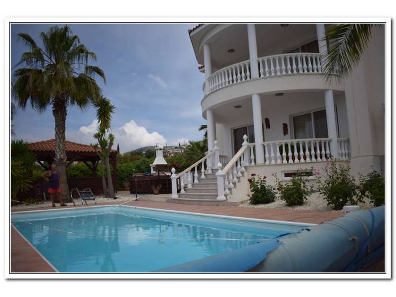 Furnished villa for rent with amazing view