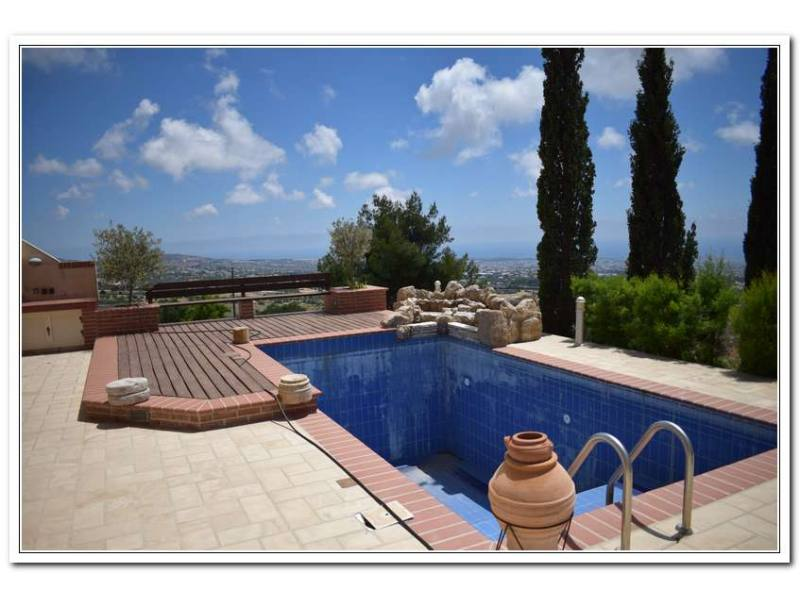 Luxury villa for long term rent with amazing view in Tala