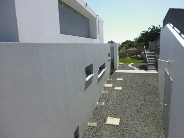 Modern Luxury villa for rent in Sea caves