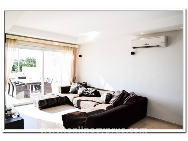 3 bed townhouse for long term rent in Paphos