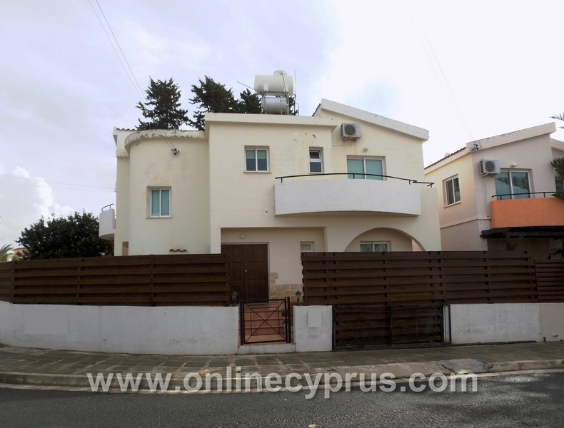 3 bedroom detached house for long term rent in Universal area