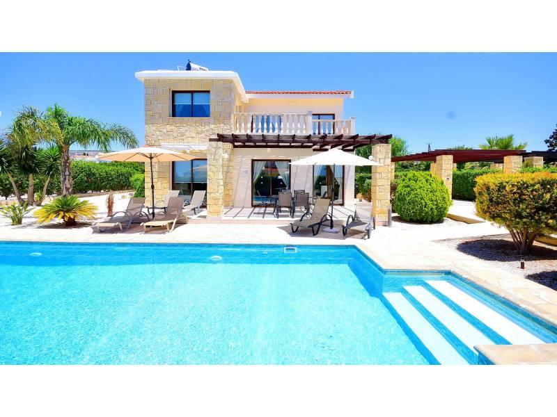 Airianna Villa In Coral Bay