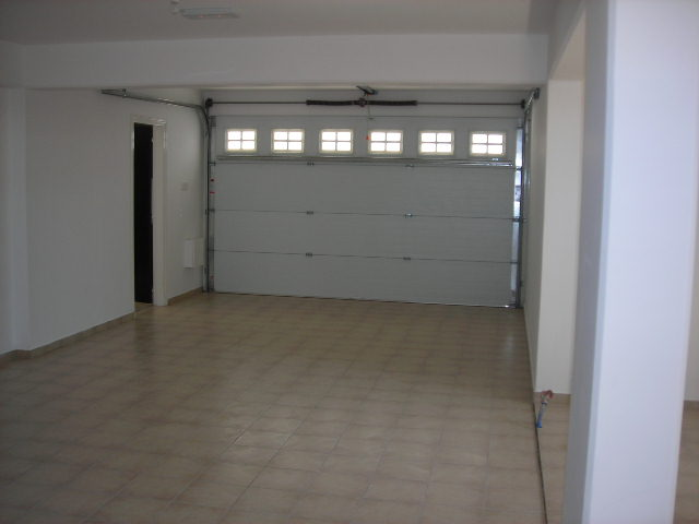 4 bedroom house for long term rent