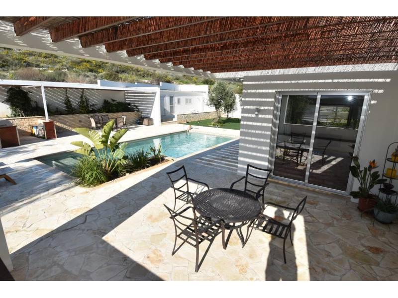 Luxury villa for long term rent in Pyrgos