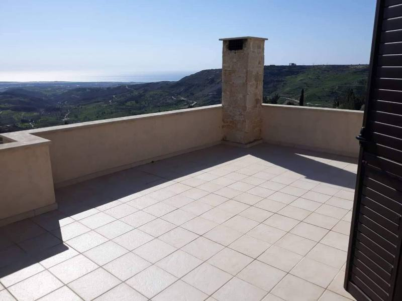 3 bedroom with central heating for rent in Armou