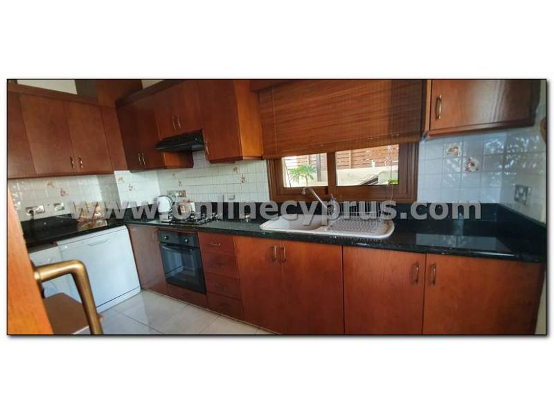 4 bedroom furnshed house with amazing view