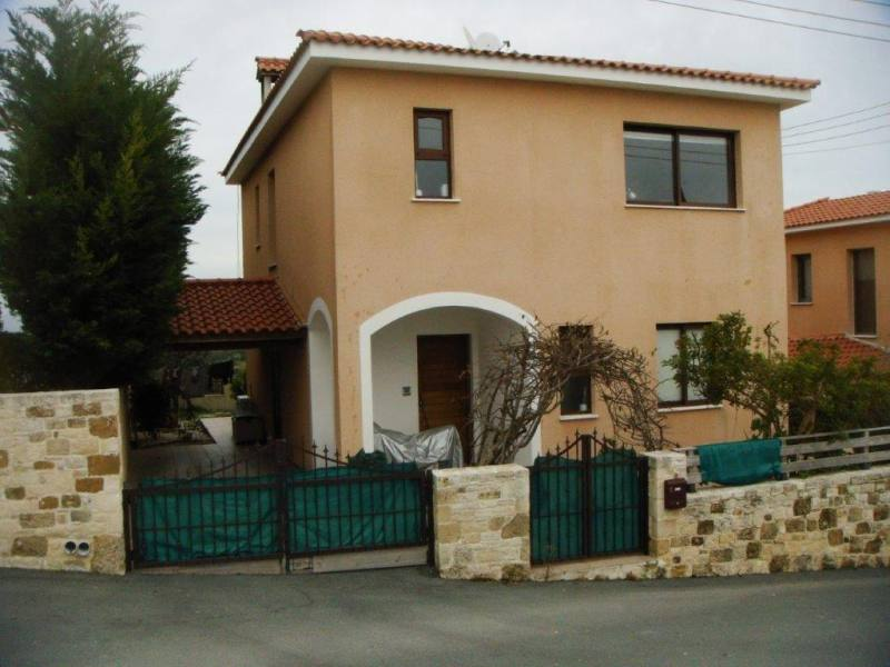 3 bedroom Unfurnished house in Tsada with central heating