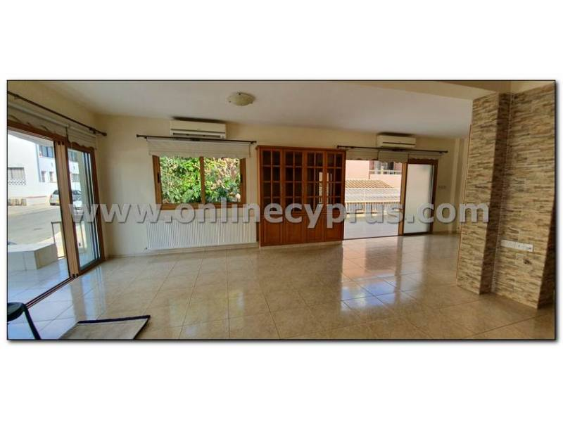 3 bedroom semi detached house in Paphos center