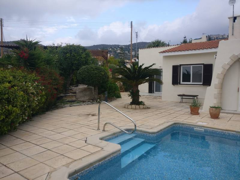 2 bed bungalow in Tala