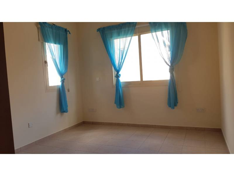 Unfurnished villa close to amenities