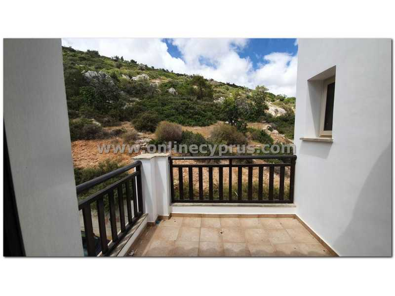 3 bed unfurnished villa with amazing view