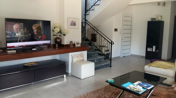 3 bedroom unfurnished house for long term rent