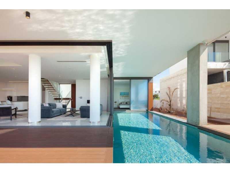Beach Front villa for long term rent