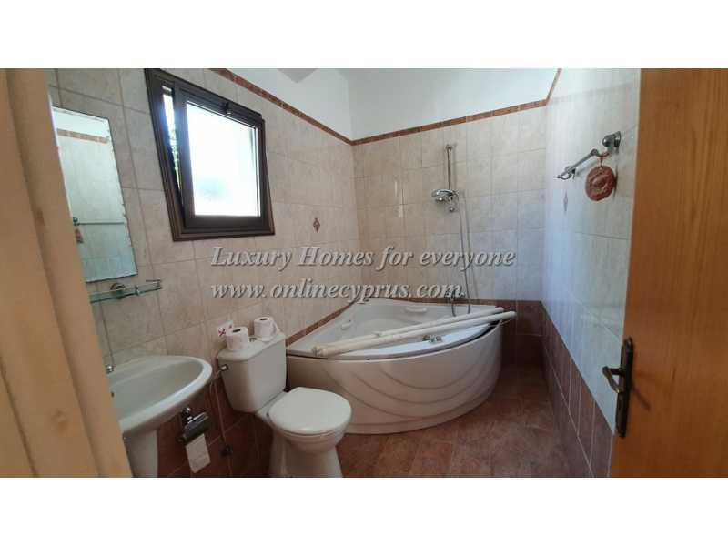 Lovely 3 bedroom bungalow close to amenities
