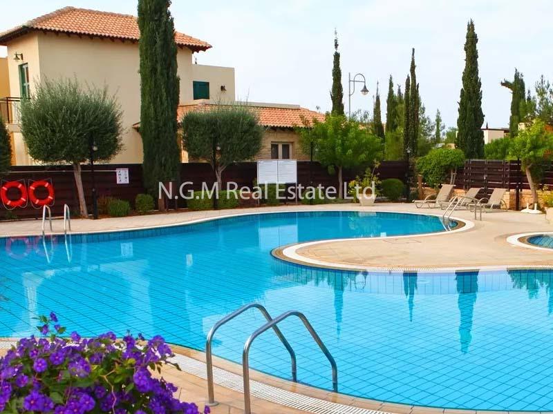 3-bedroom junior villa with communal pool