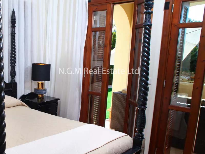 1-bedroom apartment with communal pool