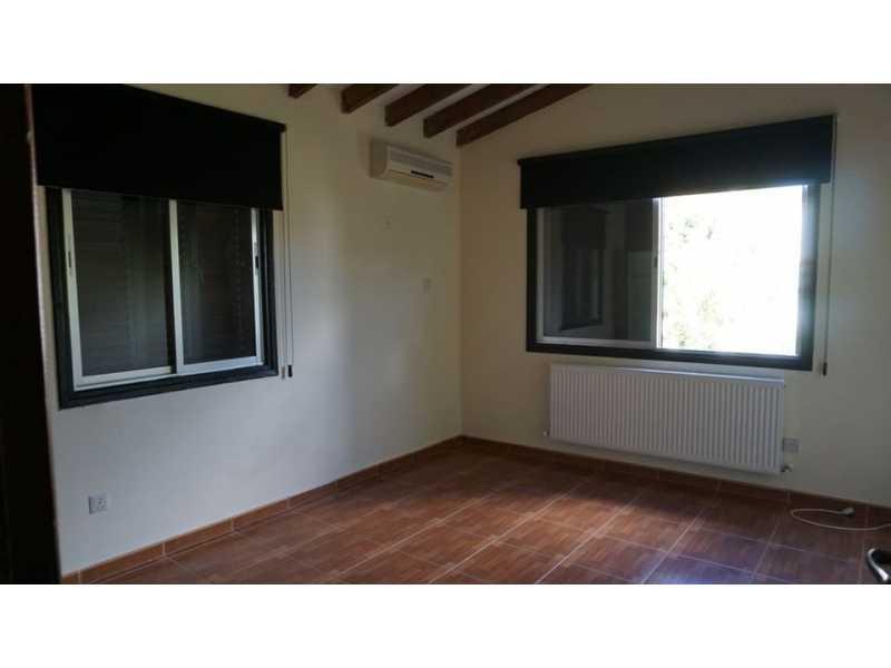 5 bedroom Unfurnished villa