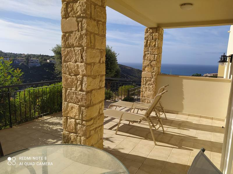 Furnished 2 bedroom aprtment with nice view