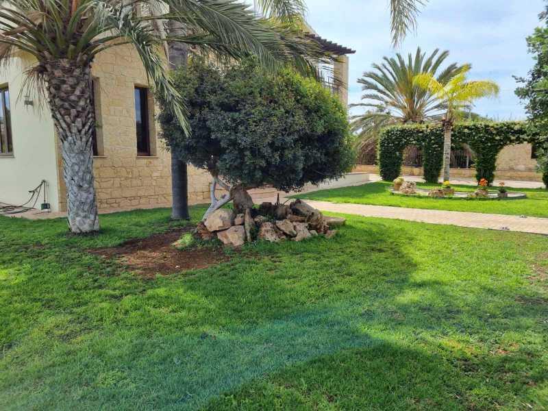 4 bedroom villa for long term rent