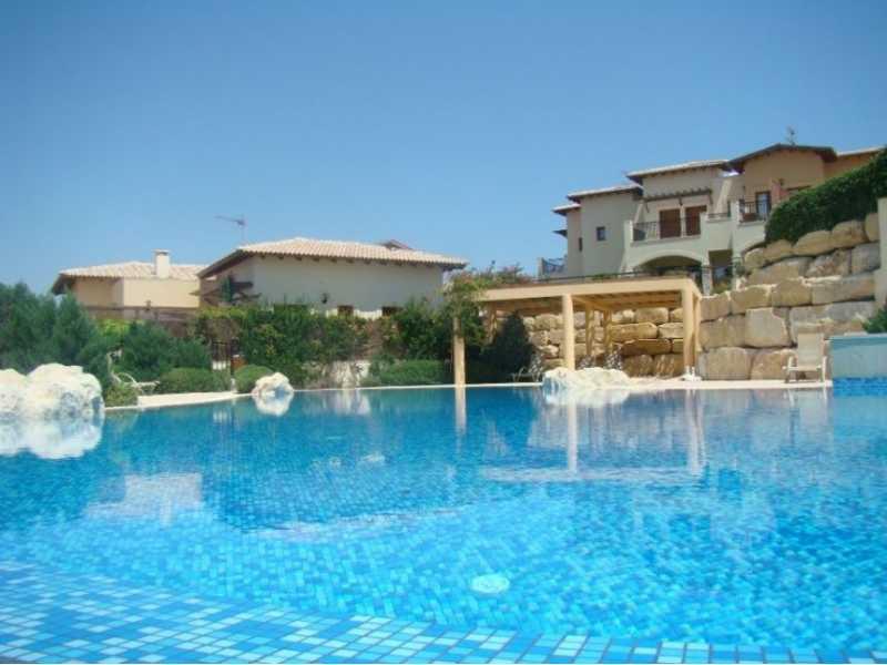 2 Bed apartment in Zephyros village