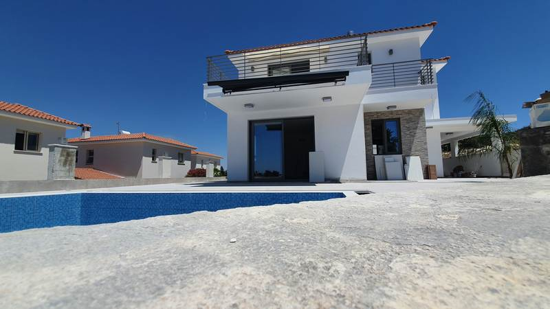 Brand New villa in Tsada
