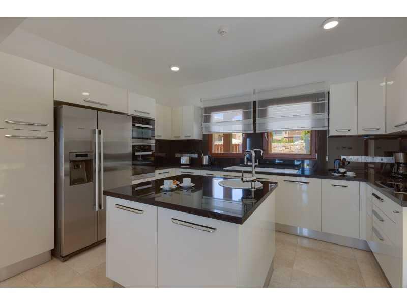 Luxury villa for long term rent