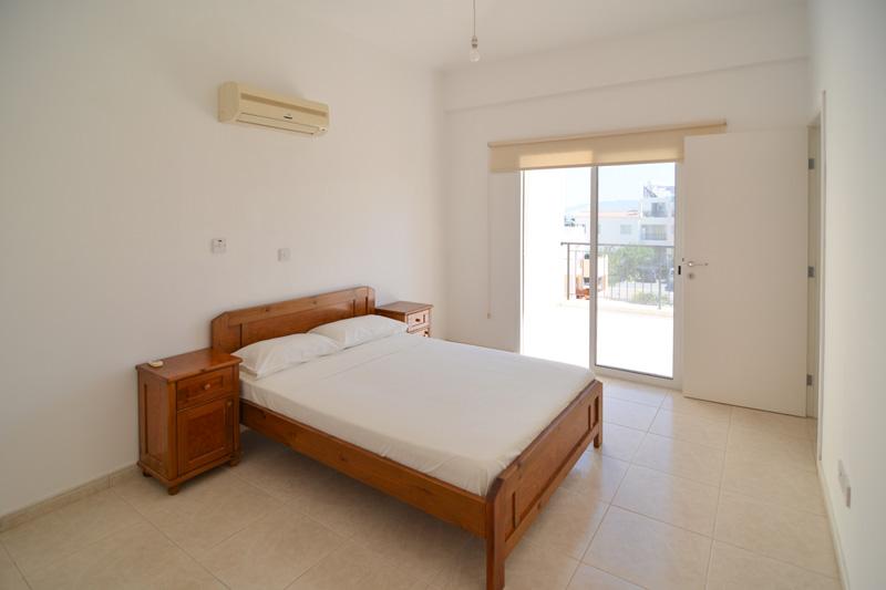 3 bedroom exceptionally spacious maisonette