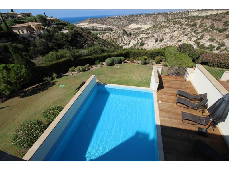 Fully Furnished luxury villa in Aphrodite Hills