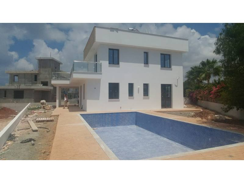 Brand new villa for long term rent