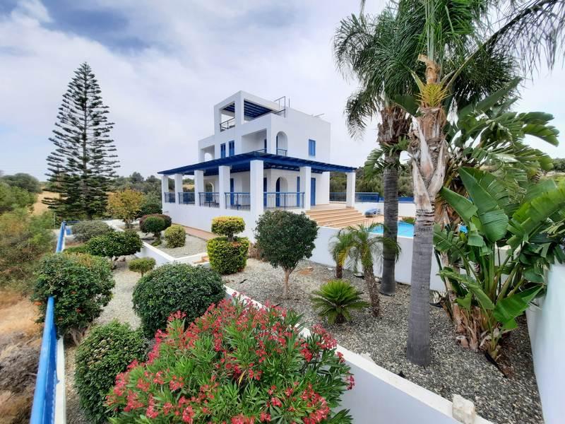 Luxury Villa for rent in Secret Valley