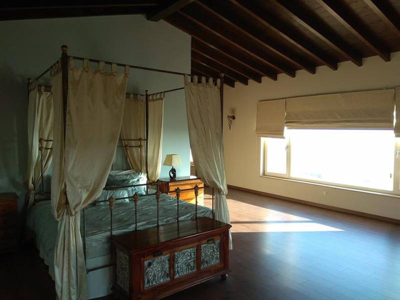 Luxury villa for long term rental in Anarita