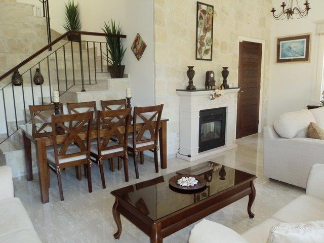 3 bedrooms Junior villa 2 bathrooms separate kitchen fireplace
