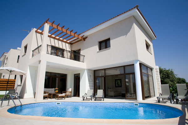 Exclusive villa for rent in Ayia Marinouda