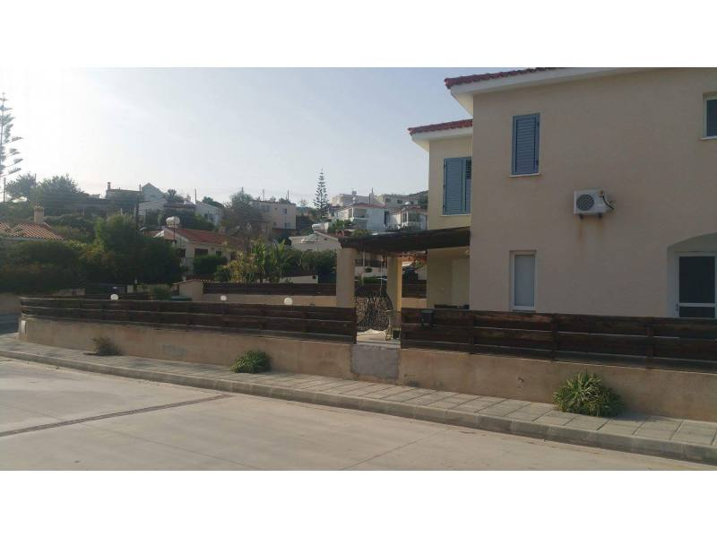3 bed furnished long term rent in Peyia