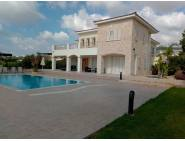 Luxury villa for long term rent