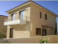 3 bedroom house for rent in Tsada central heating