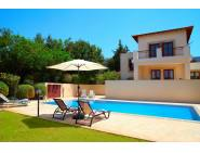 4 bedroom detached luxury villa for rent in Aphrodite hills